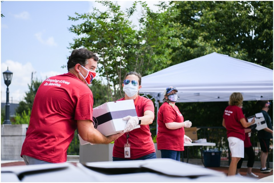Food bank volunteer day event photographer