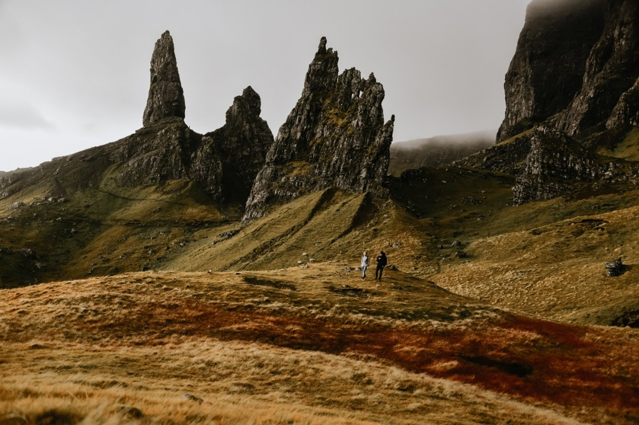 17 Adventurous Elopement The Old Man Of Storr Scotland What To Do Isle Of Skye Isle Of Sye Elopement Scotland