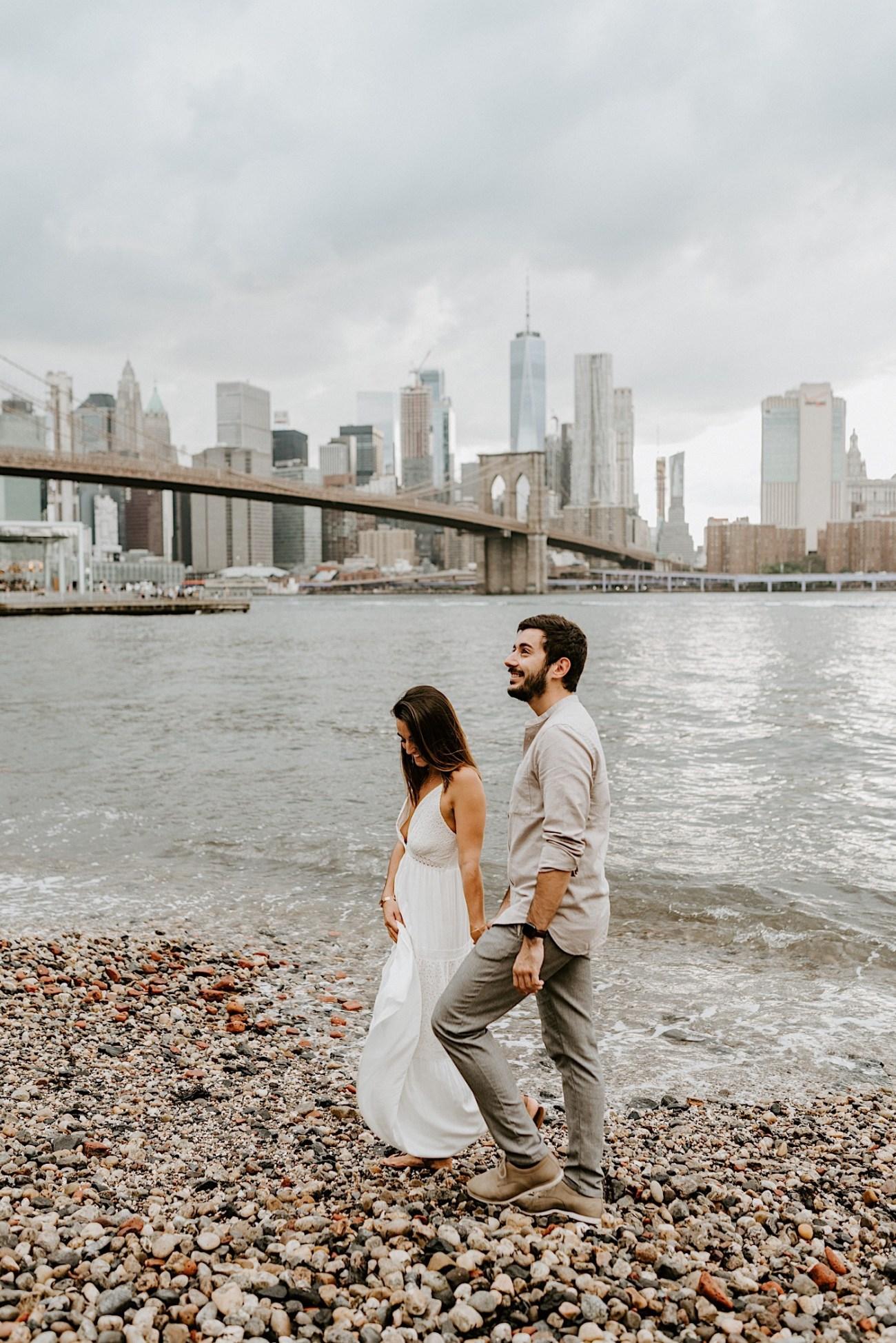 Brooklyn Dumbo Enagement Session Brooklyn Wedding Photographer 02