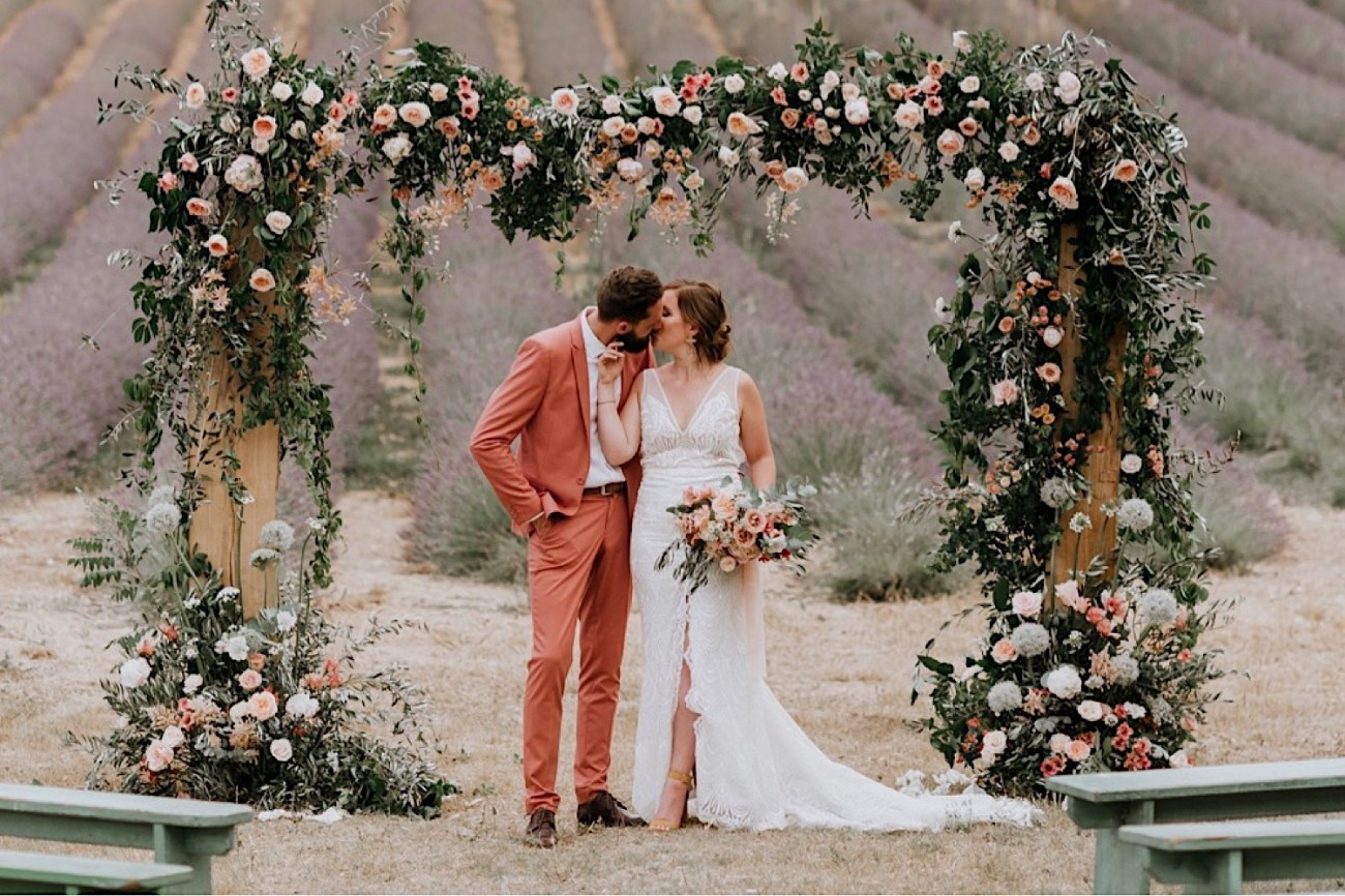 Terre Ugo Un Marriage En Provence Lavender Field Wedding French Wedding Provence Wedding Destination Wedding France Photographe De Marriage Provence France Anais Possamai Photography 25