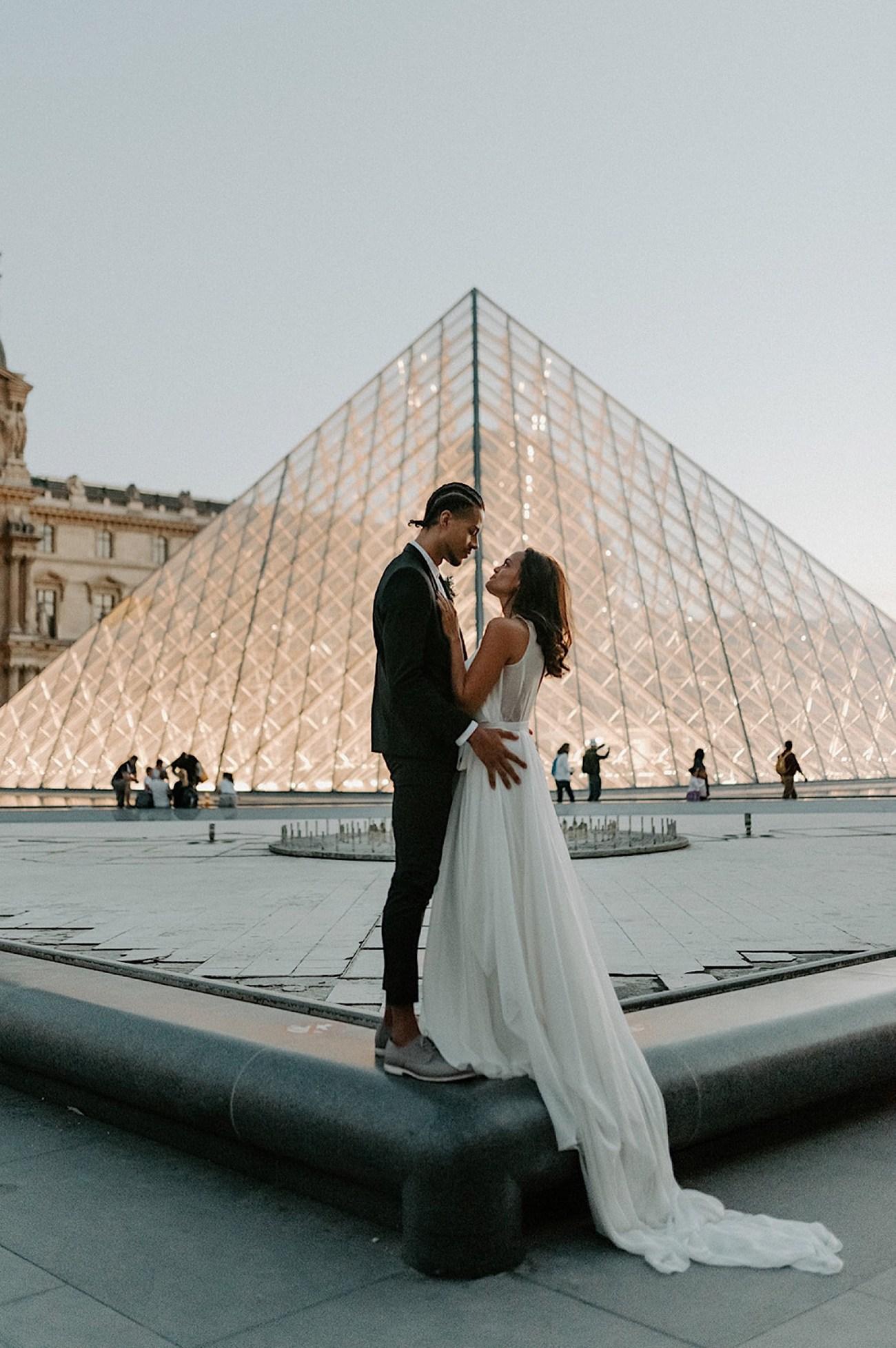 037 Paris Wedding Destination Wedding France Paris Wedding Photographer Louvre Wedding Photos