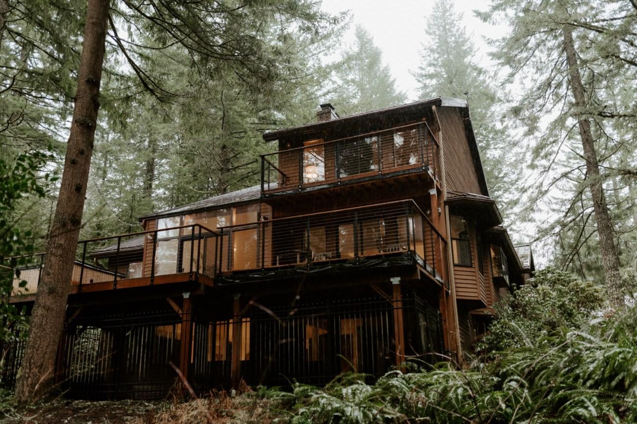 The Woodlands House Sandy Oregon Elopement Portland Elopement Photographer PNW Adventurous Elopement Anais Possamai Photography 001