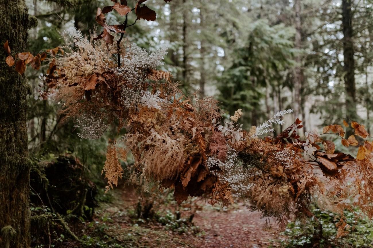 The Woodlands House Sandy Oregon Elopement Portland Elopement Photographer PNW Adventurous Elopement Anais Possamai Photography 014