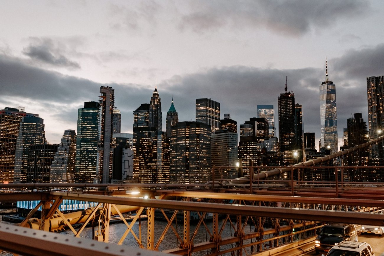 The Manhattan Skyline at night from the Brooklyn Bridge, Best views in NYC