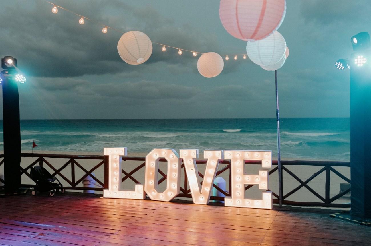 Wedding reception at the Fiesta Americana Condesa Hotel in Cancun Mexico