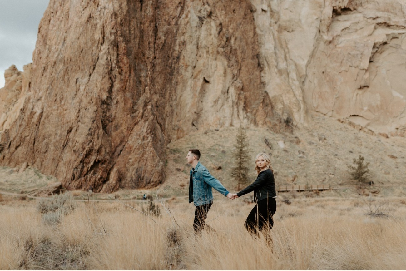 Smith Rock State Park Engagement Session Bend Oregon Wedding Photographer Anais Possamai Photography 003
