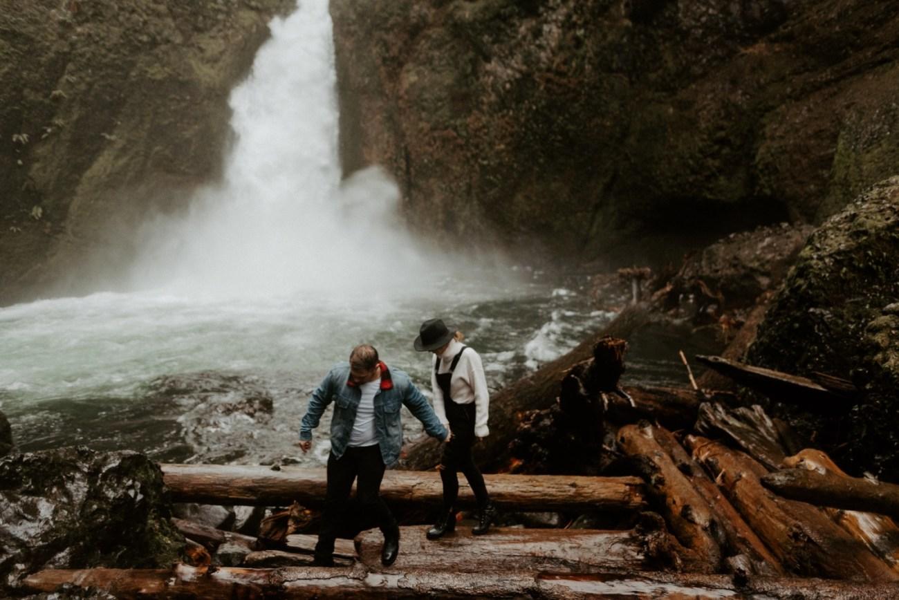 Wahclella Falls Engagement Session Columbia River Gorge Oregon Portland Wedding Photographer Anais Possamai Photography 015