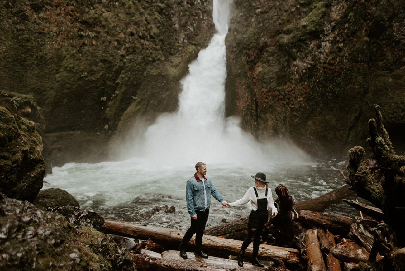 Best Oregon Elopement Location Where To Elope In Oregon How To Plan A Destination Elopement, How to plan an elopement in Oregon Anais Possamai Photography