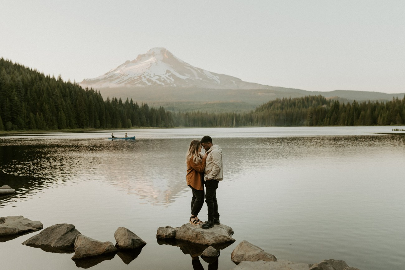 Trillium Lake Mount Hood Elopement, Best location to elope in Oregon, Bend Wedding Photographer, Anais Possamai Photography