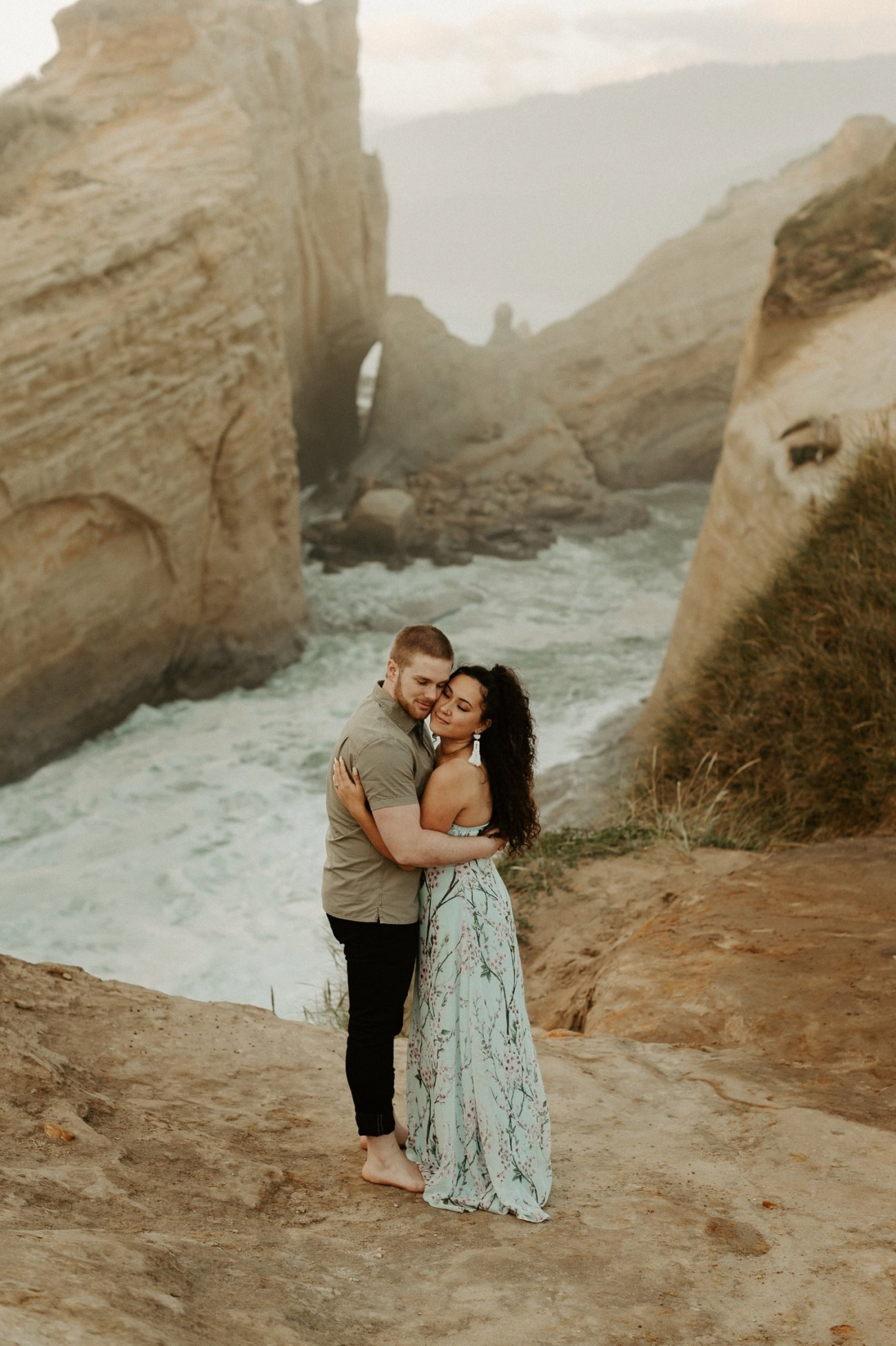 Cape Kiwanda Engagement Session Best Location In Oregon For Engagement Photos Portland Wedding Photographer Anais Possamai Photography 011