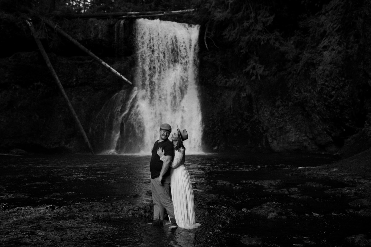 Silver Falls State Park Engagement Session North Falls Engagement Photos Portland Wedding Photographer Oregon Elopement Photographer Anais Possamai Photography 032