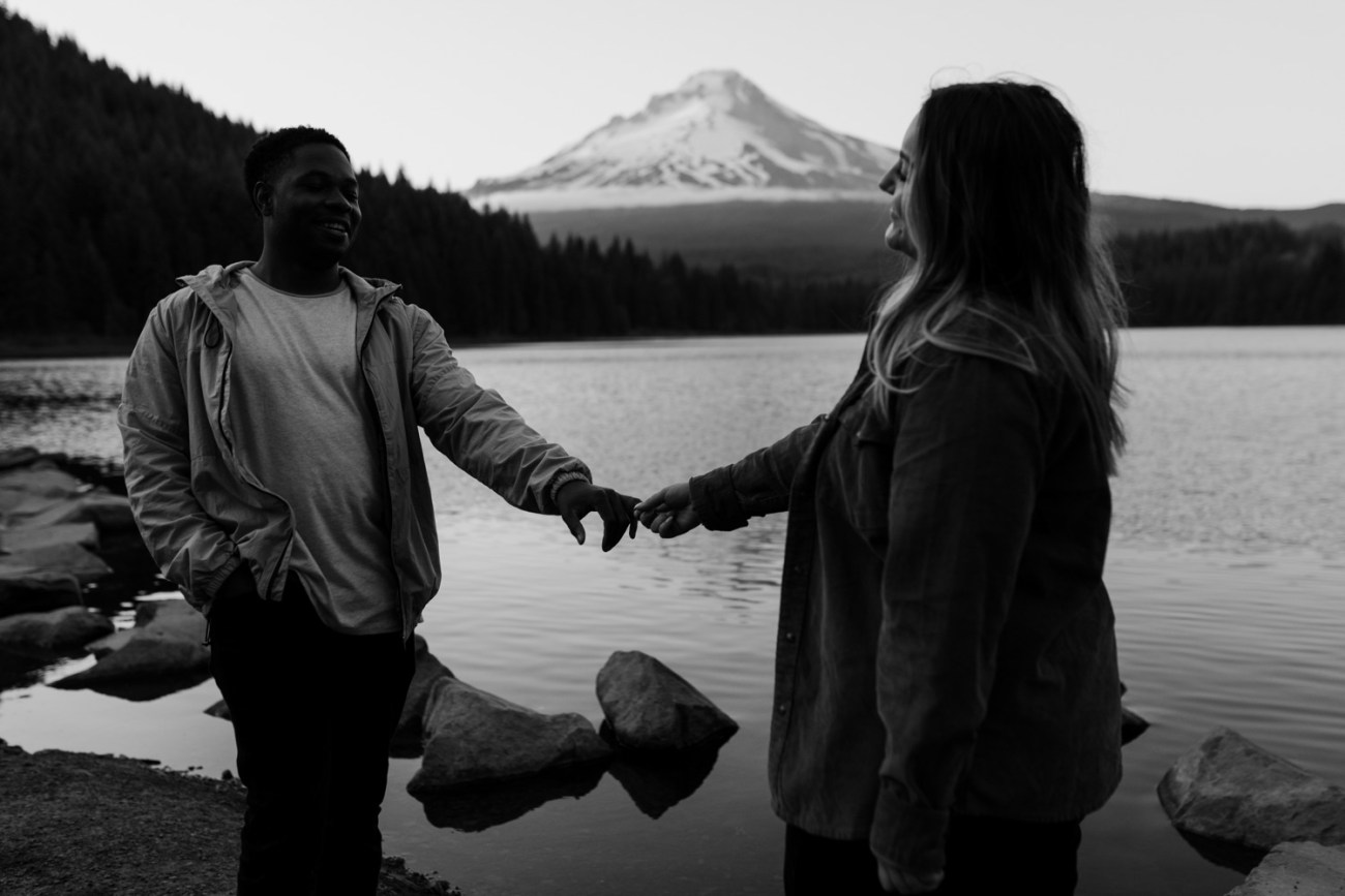 Trillium Lake Mount Hood Couple Session Engagement Session Portland Wedding Photographer Bend Elopement Photographer Anais Possamai Photography 034