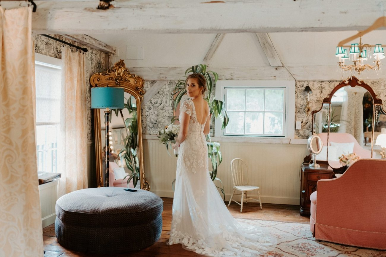 Bride getting ready in bridal suite at Jacks Barn Oxford New Jersey Wedding Venue. New Jersey Wedding Photographer NJ Wedding Venue Rustic Barn Wedding Anais Possamai Photography 008