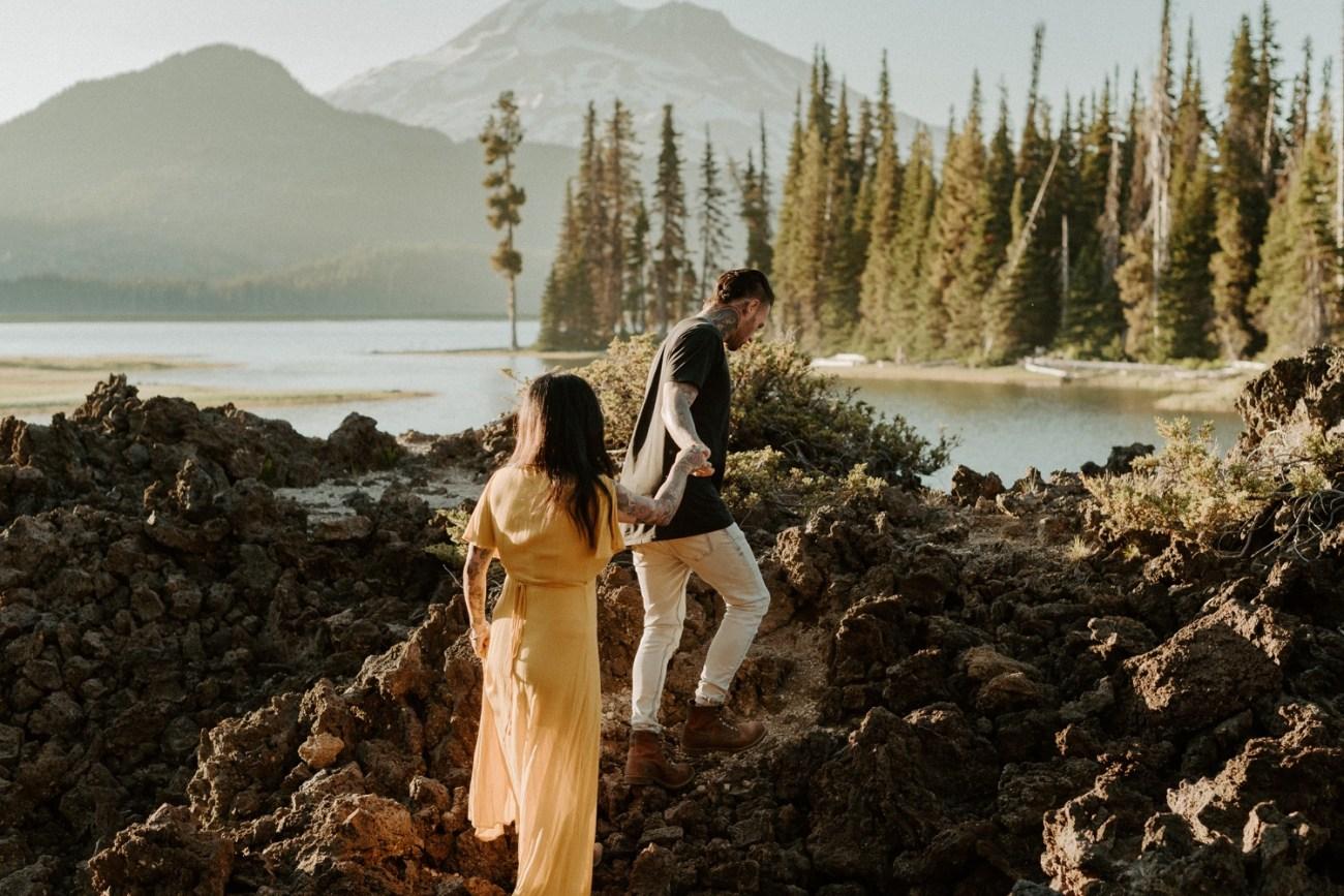 Sparks Lake Bend Oregon Elopement Bend Wedding Photographer PNW Elopement Best Elopement Locations In Oregon 005