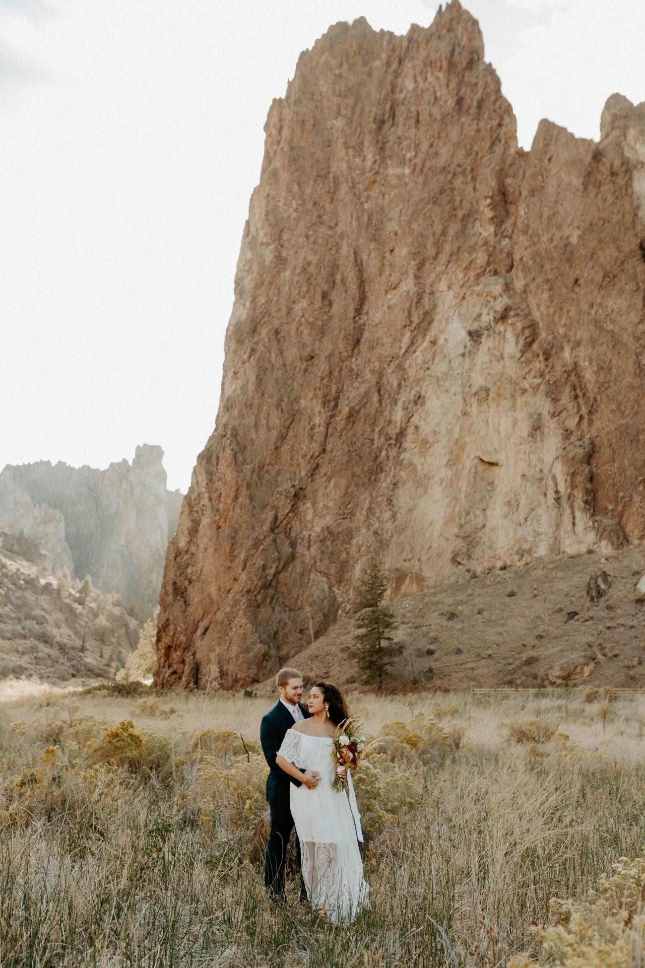Smith Rock Elopement Bend Elopement Photographer Bend Wedding Photographer Fall Bend Wedding Anais Possamai Photography 004