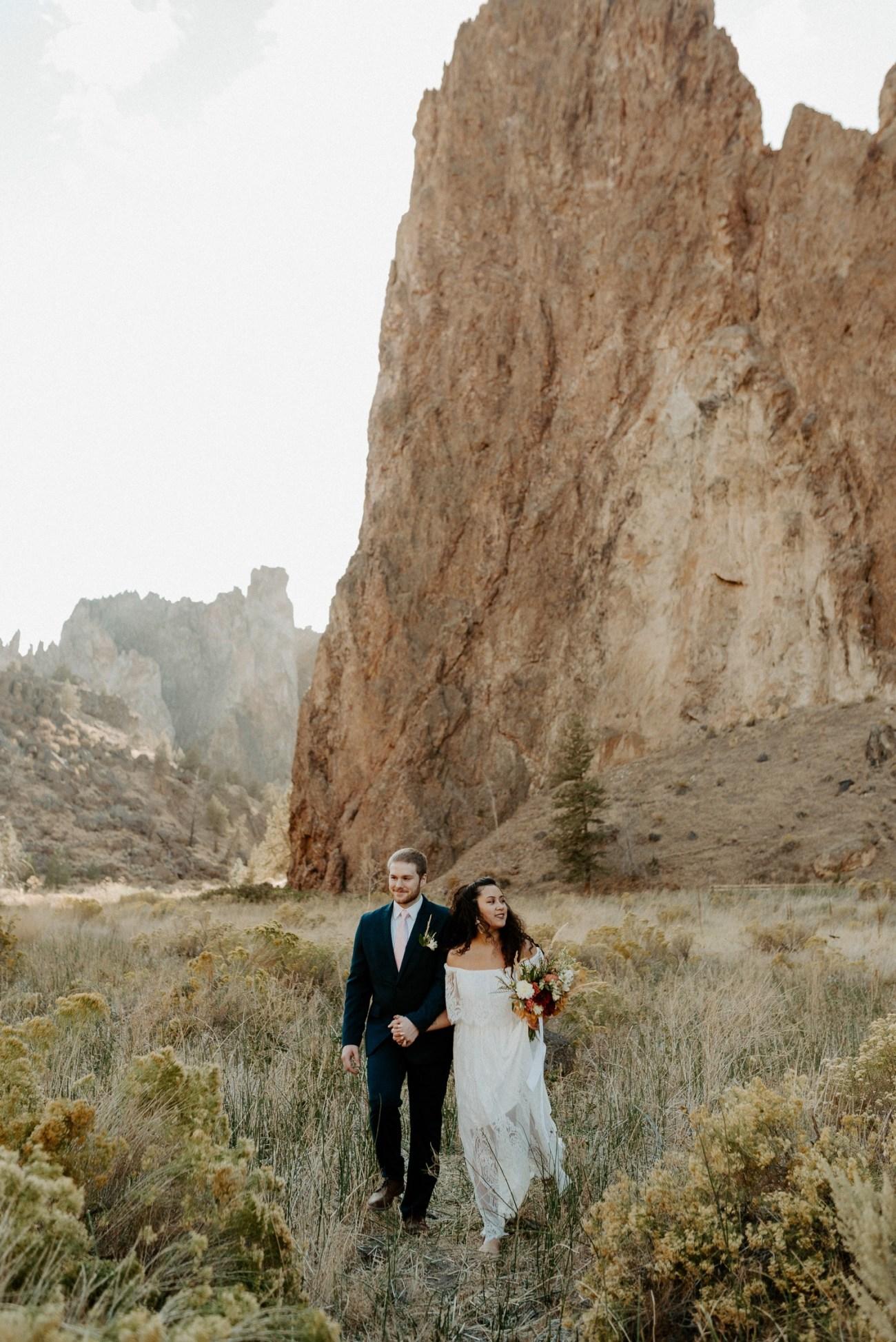 Smith Rock Elopement Bend Elopement Photographer Bend Wedding Photographer Fall Bend Wedding Anais Possamai Photography 011
