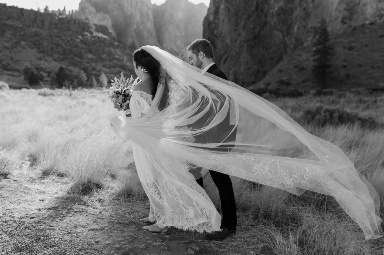 Smith Rock Elopement Bend Elopement Photographer Bend Wedding Photographer Fall Bend Wedding Anais Possamai Photography 013