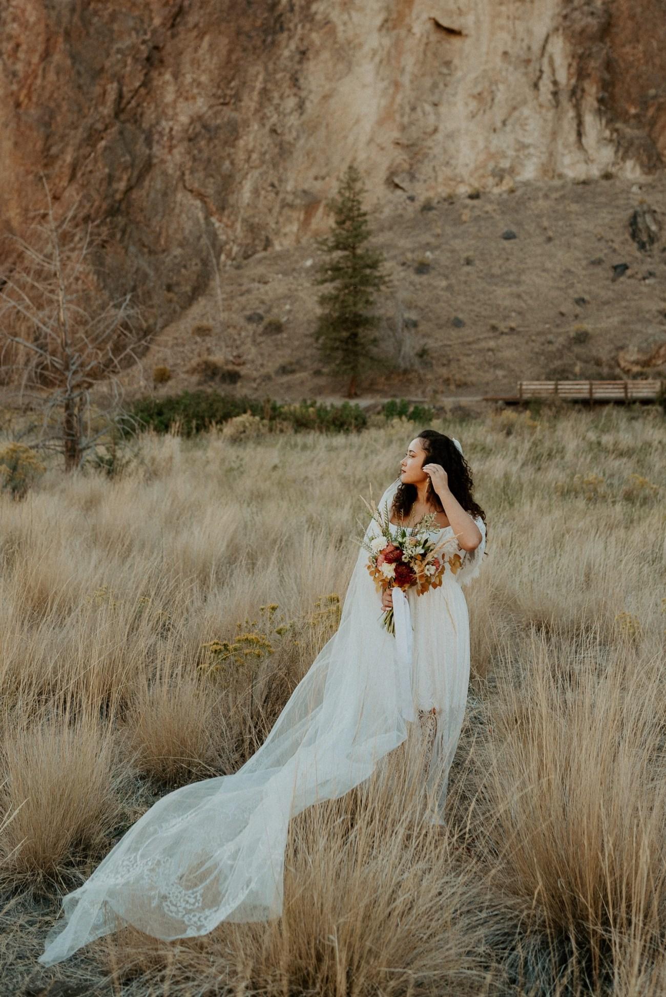 Smith Rock Elopement Bend Elopement Photographer Bend Wedding Photographer Fall Bend Wedding Anais Possamai Photography 018