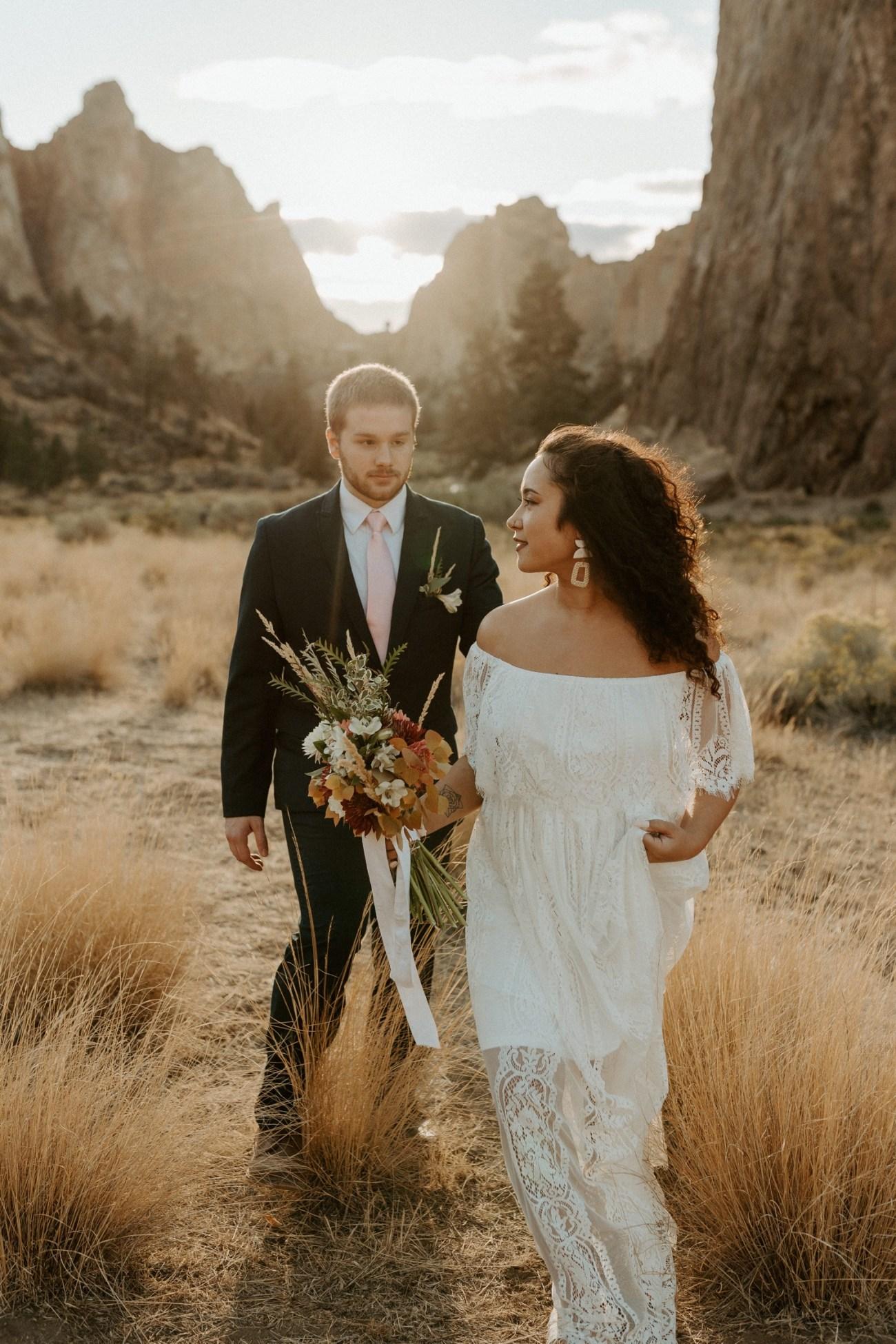 Smith Rock Elopement Bend Elopement Photographer Bend Wedding Photographer Fall Bend Wedding Anais Possamai Photography 032