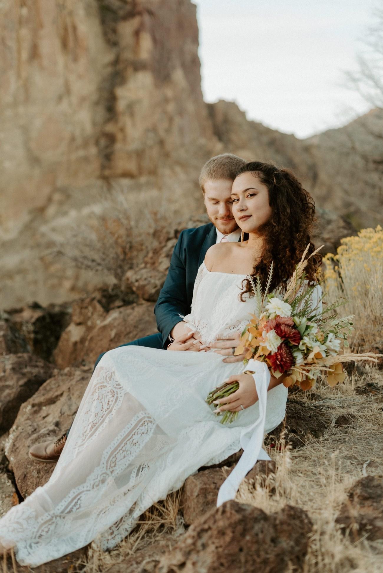 Smith Rock Elopement Bend Elopement Photographer Bend Wedding Photographer Fall Bend Wedding Anais Possamai Photography 034
