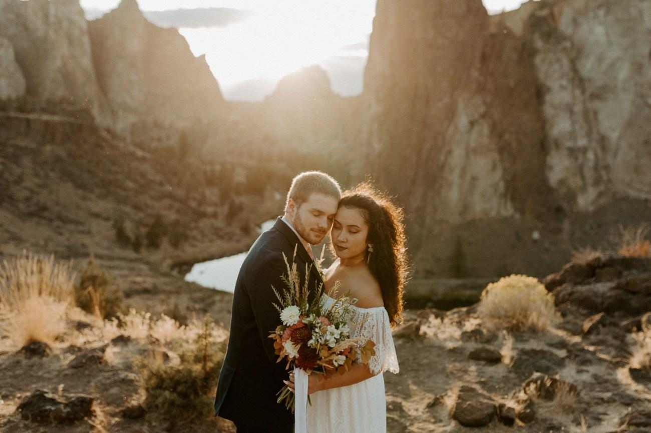 Smith Rock Elopement Bend Elopement Photographer Bend Wedding Photographer Fall Bend Wedding Anais Possamai Photography 039