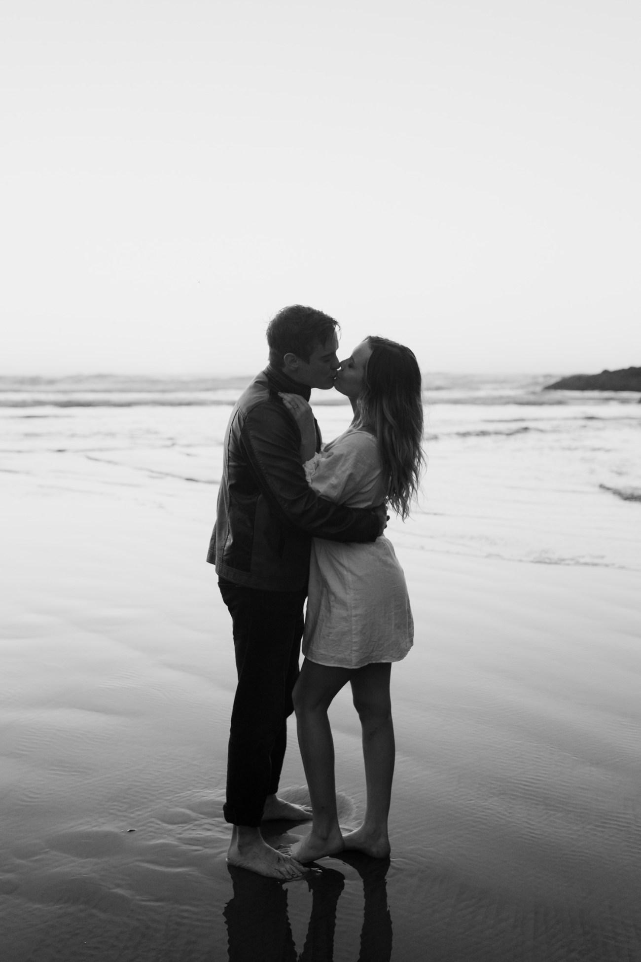 Yachats Oregon Coast Cape Perpetua Engagement Session Bend Wedding Photographer Anais Possamai Photography 045