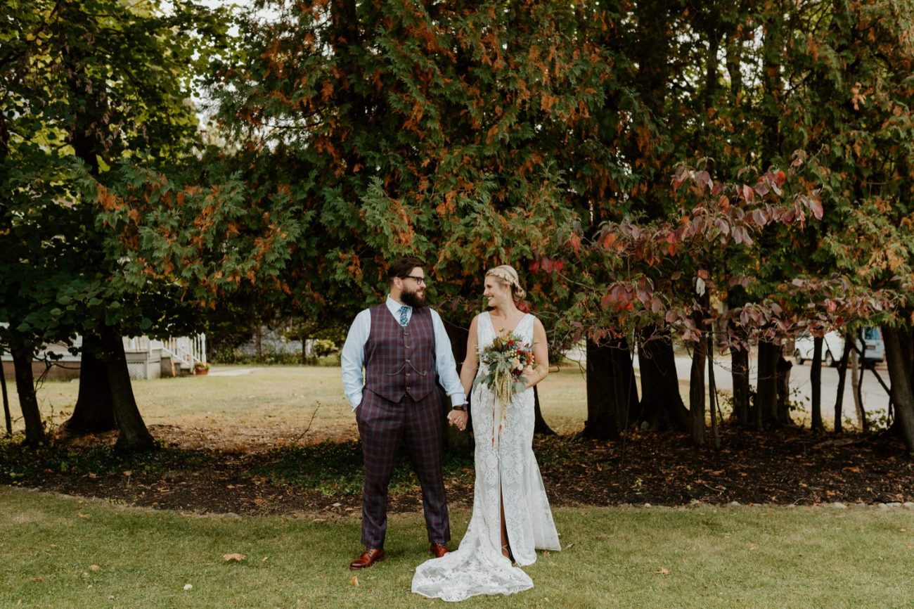 New Jersey Fall Backyard Wedding Bend Wedding Photographer NJ Wedding Photographer Anais Possamai Photography 019