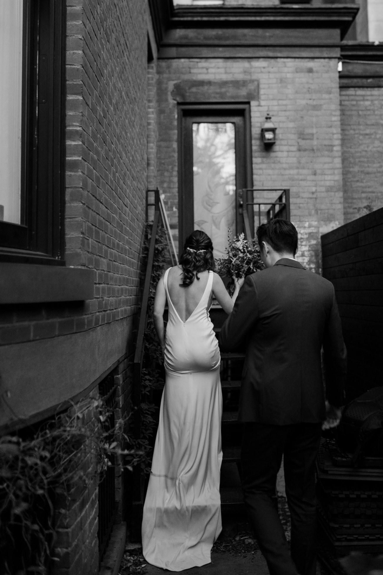 Brooklyn Backyard Wedding In Brownstone House New York City Wedding Photographer Anais Possamai Photography 19