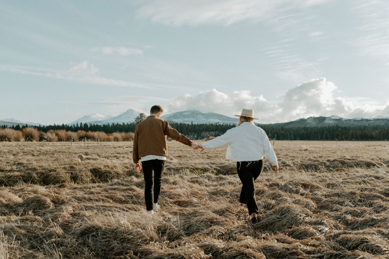 Black Butte Ranch Couple Session Bend Oregon Wedding Photographer Anais Possamai Photography 001
