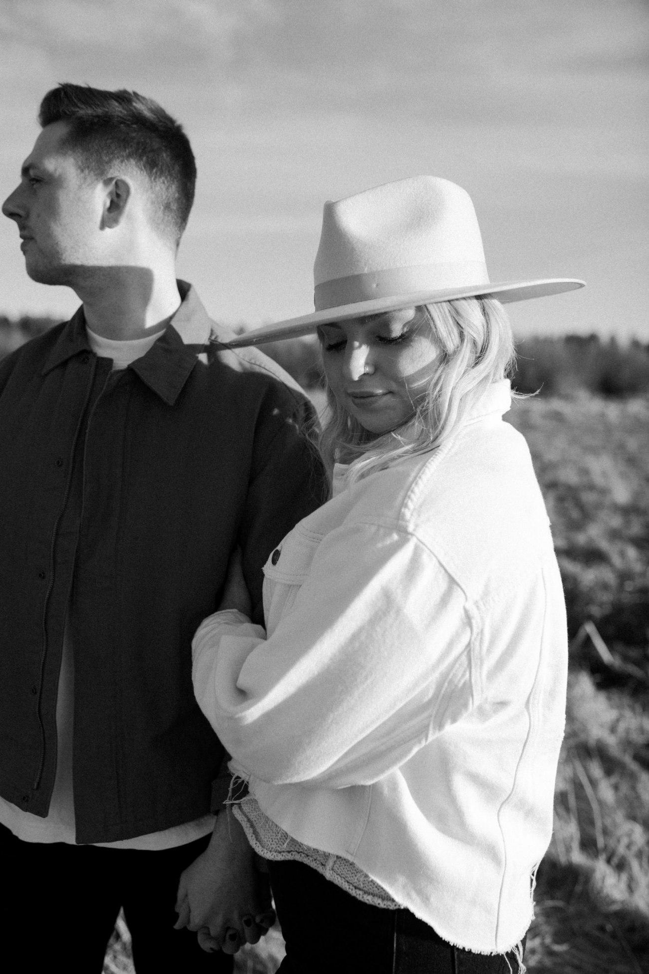 Black Butte Ranch Couple Session Bend Oregon Wedding Photographer Anais Possamai Photography 009
