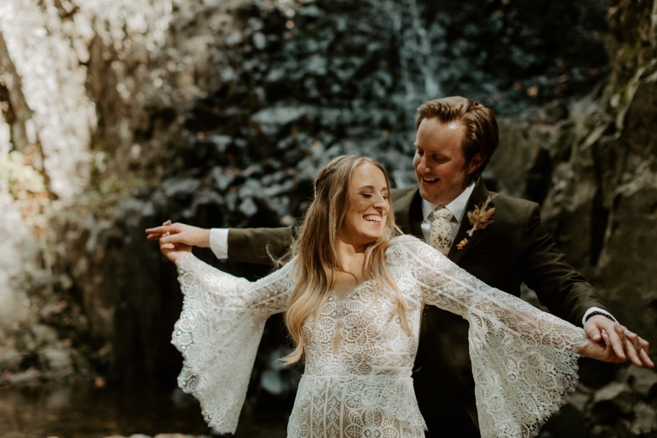 New Jersey Backyard Wedding Vintage Boho Wedding Hemlock Falls NJ Bend Oregon Wedding Phtographer Anais Possamai Photography 011