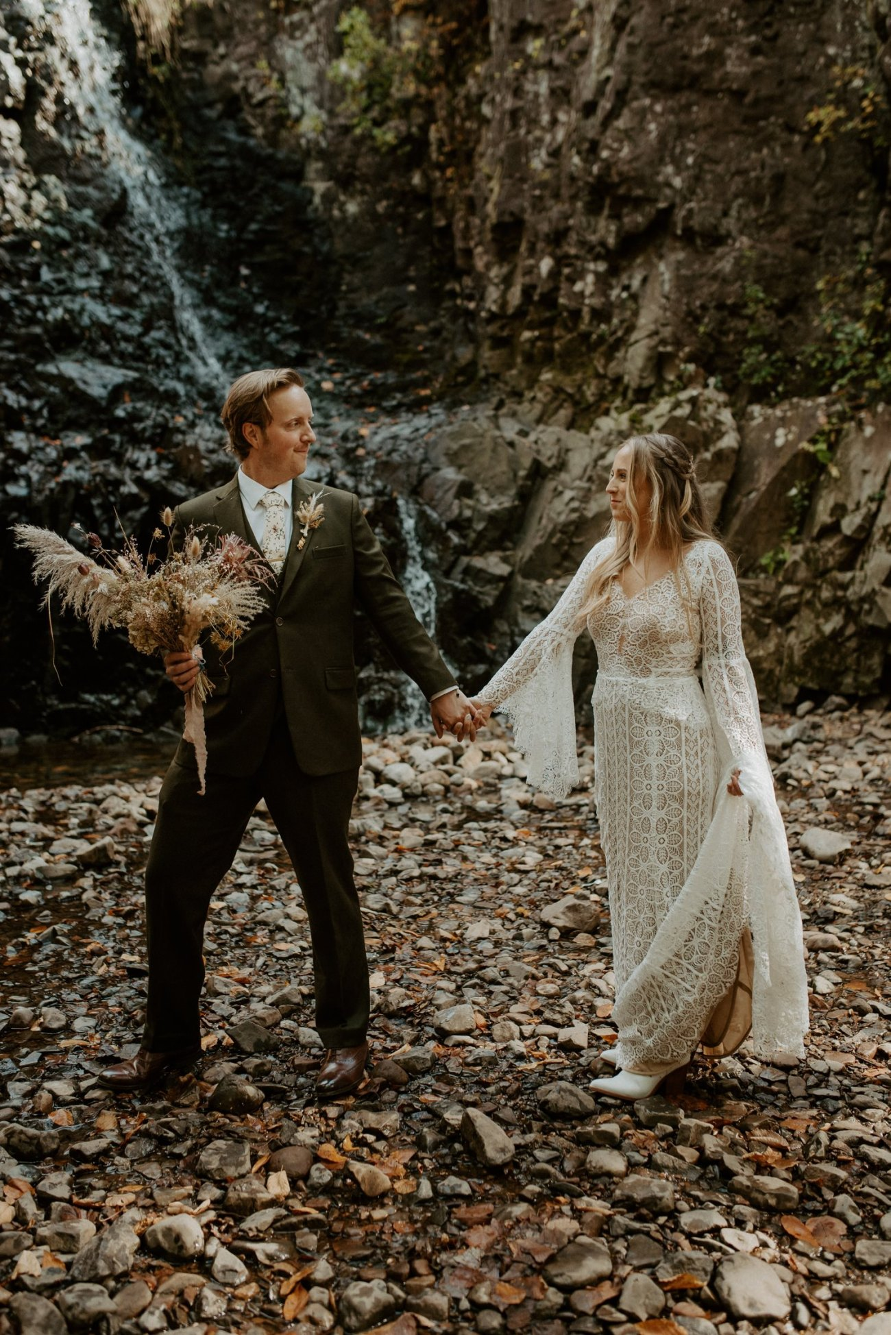 New Jersey Backyard Wedding Vintage Boho Wedding Hemlock Falls NJ Bend Oregon Wedding Phtographer Anais Possamai Photography 013