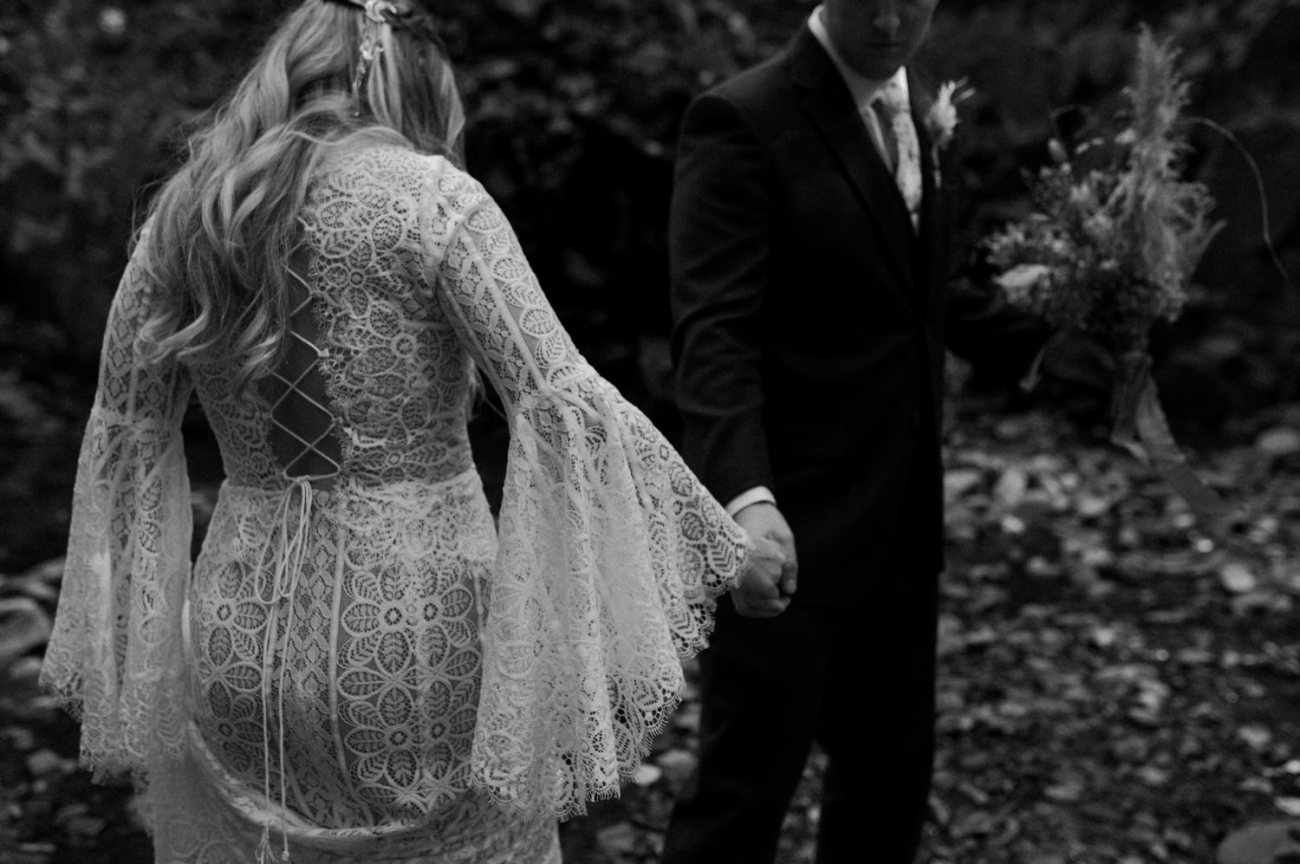 New Jersey Backyard Wedding Vintage Boho Wedding Hemlock Falls NJ Bend Oregon Wedding Phtographer Anais Possamai Photography 014