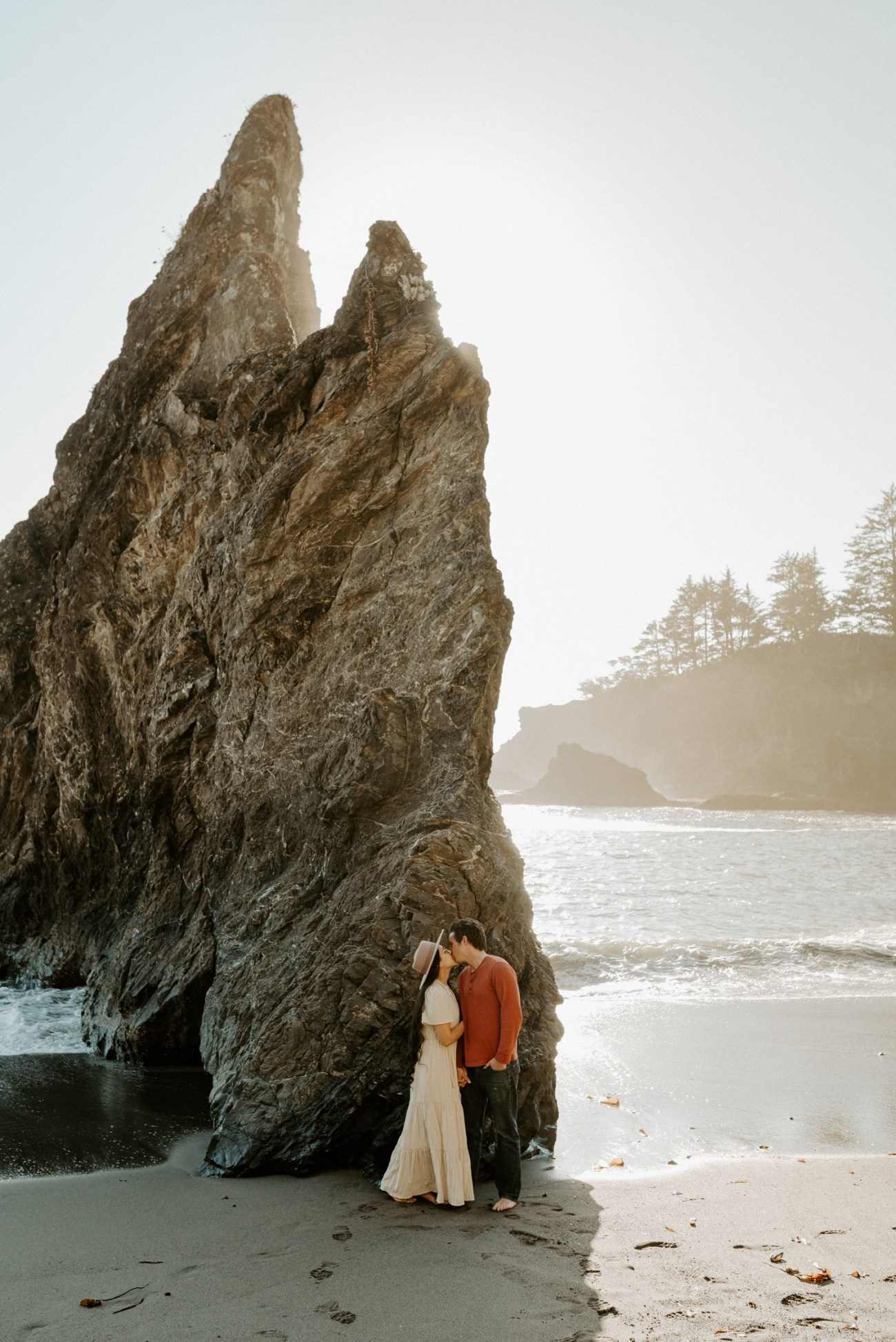Oregon Coast Brookings Engagement Session Anais Possamai Photography 06