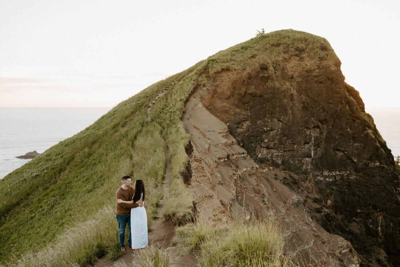 Oregon Coast Gods Thumb Engagement Session Bend Oregon Wedding Photographer Anais Possamai Photography 30