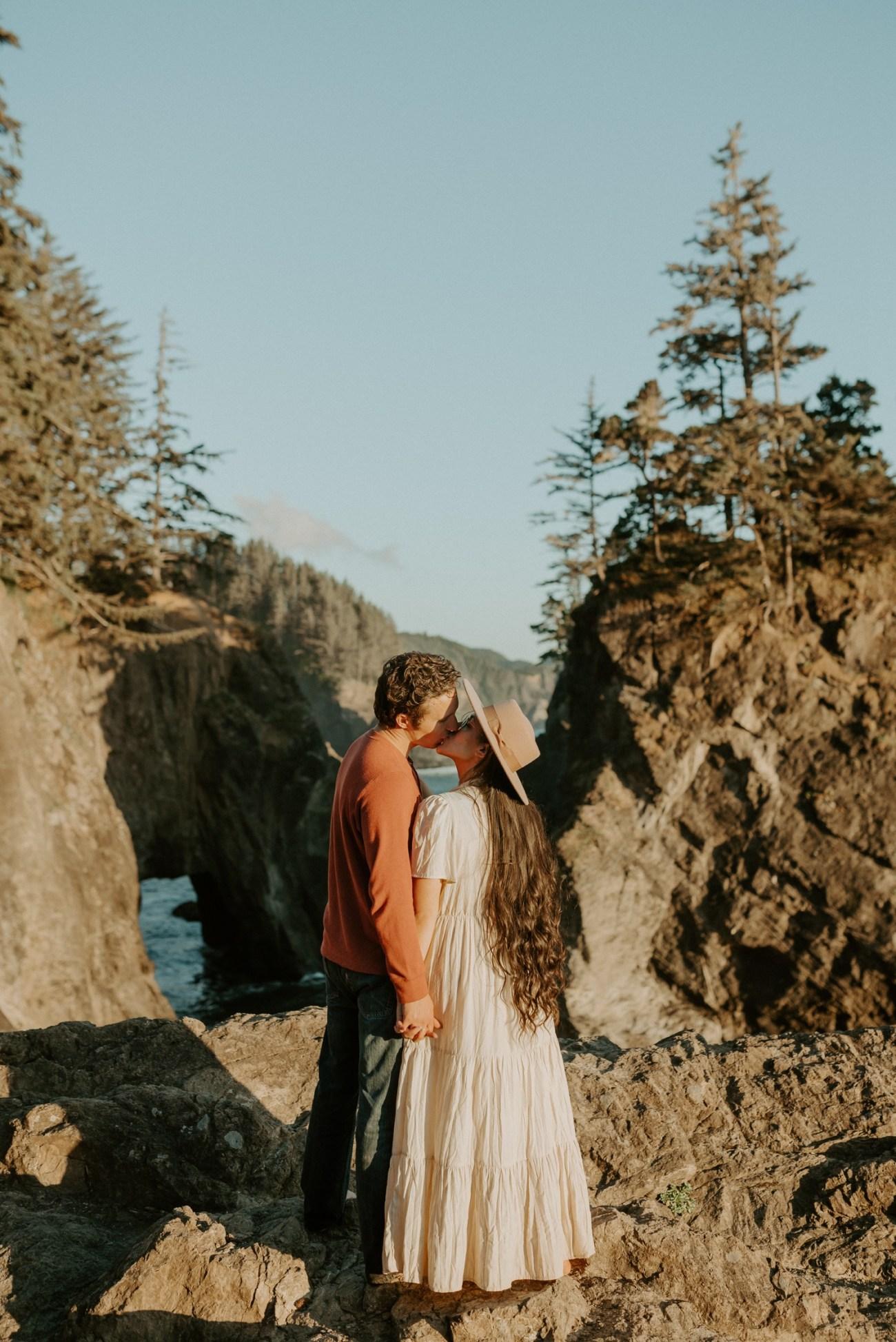 Oregon Coast Samuel H Boardman Engagement Session Anais Possamai Photography 03