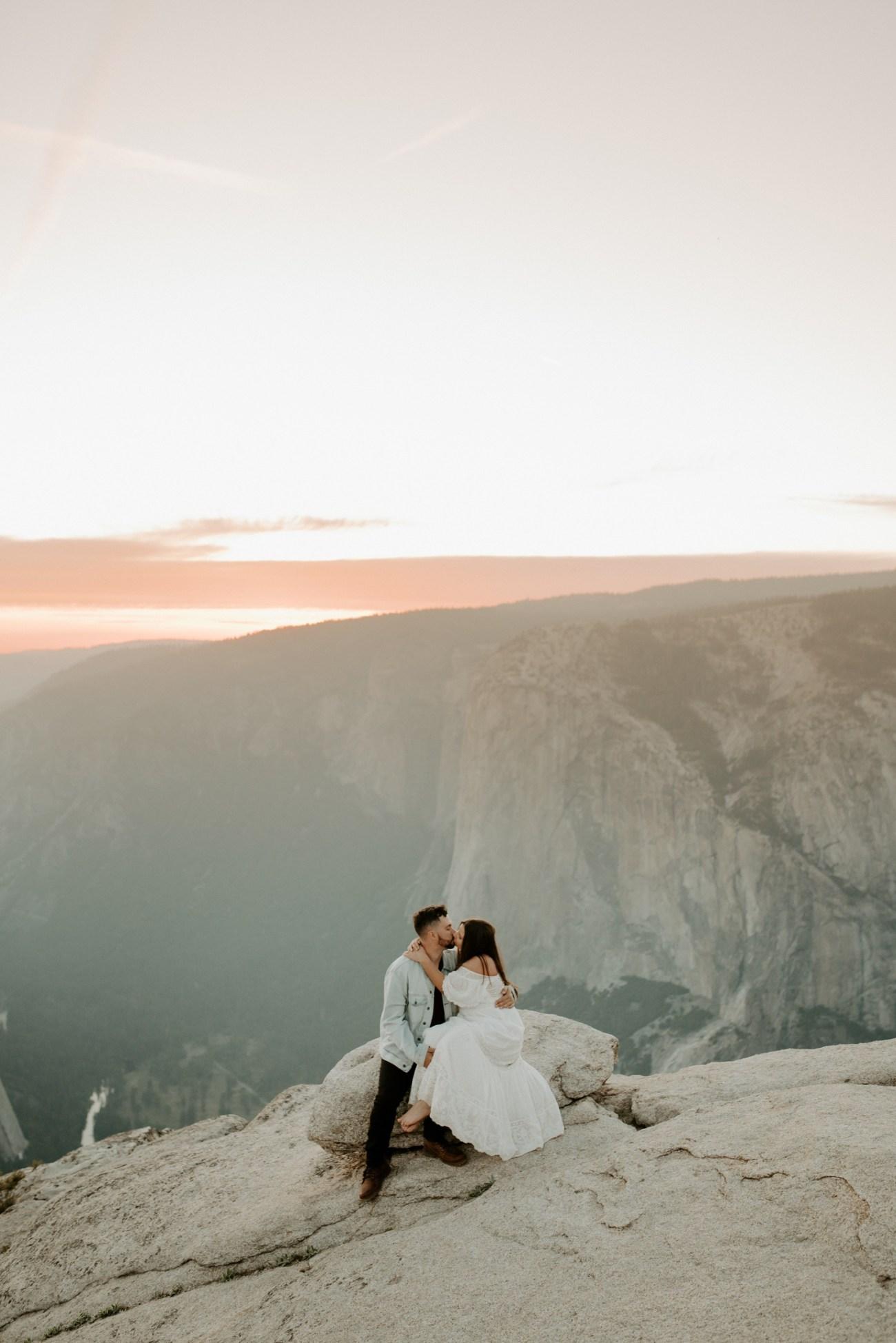 Yosemite Taft Point Engagement Session California Wedding Photographer Anais Possamai Photography 39