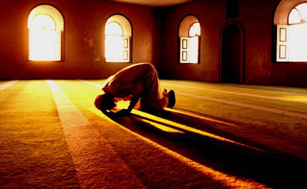 Sholat di Masjid
