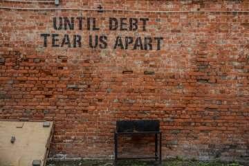 Hukum Menjadi Penagih Kredit Berbunga Menurut Islam