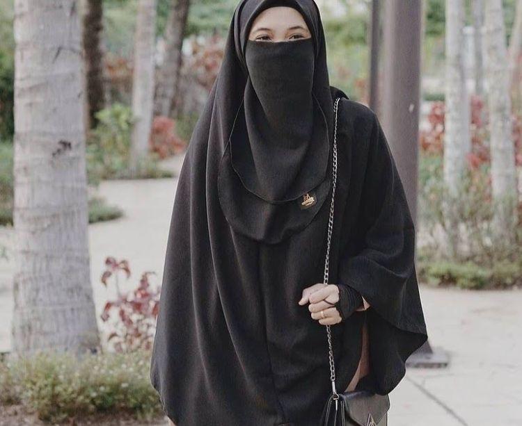 muslimah berjilbab syari
