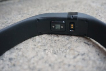 Fitbit Charge HR Activity Tracker Review - Heart Rate Monitor - Analie Cruz - Black