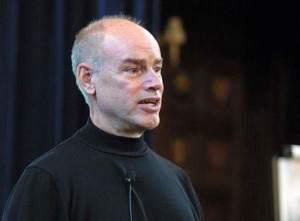 Ken Schwaber é considerado um dos pais do framework ágil SCRUM.