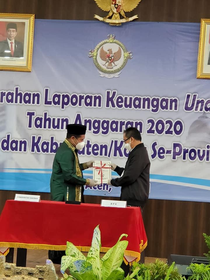 Bupati Bener Meriah Menyerahkan Laporan Keuangan Unaudited TA 2020