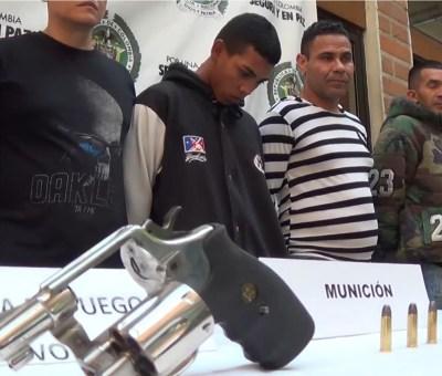 Policía adelantó 41 allanamientos y 15 capturas en contra de combos los Chivos y Altavista