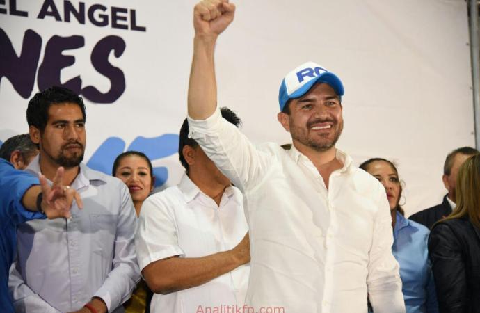 Tantoyuca se viste de azul con Miguel Ángel Yunes Márquez