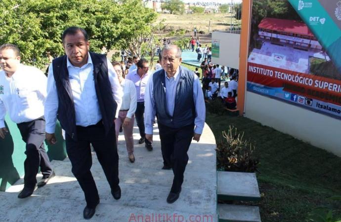 Recorrió Enrique Pérez el Tecnológico de Tuxpan