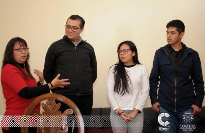 Jóvenes exitosos coatepecanos bien apoyados
