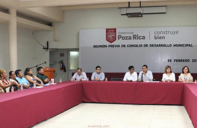 Ediles atienden inquietudes de los vecinos de la Vicente Herrera