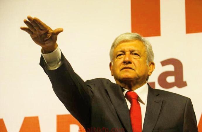 Rindió protesta AMLO rumbo a la elección