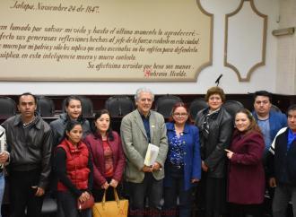 Atiende Hipólito Rodríguez a patronatos de obra de diversas colonias de Xalapa